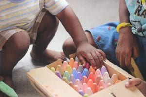 Teaching Your Kids to De-clutter