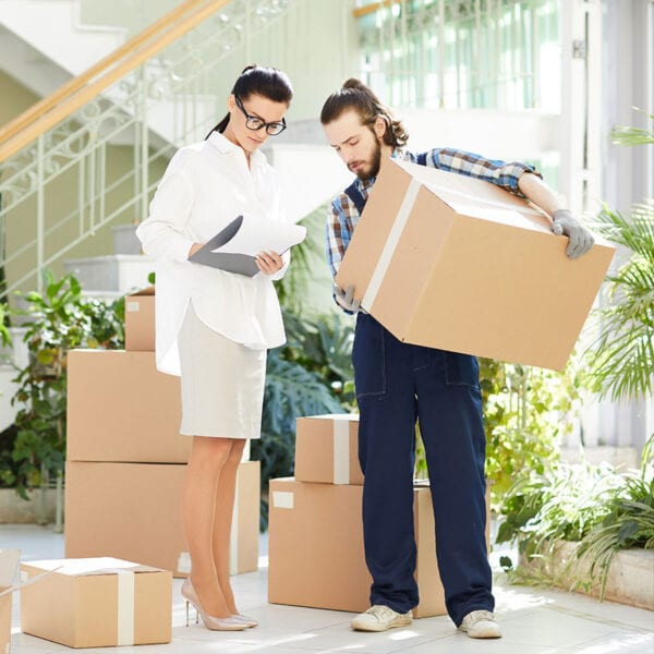 31 tips and tricks for packing for a move Featured Image