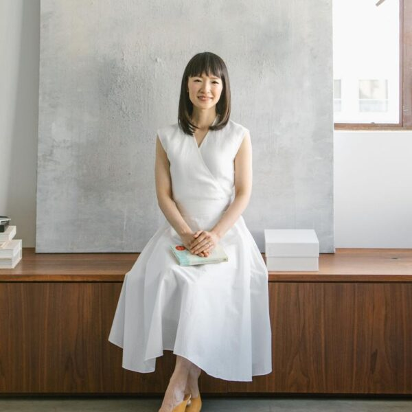 Marie Kondo's 6 rules to tidying up Featured Image