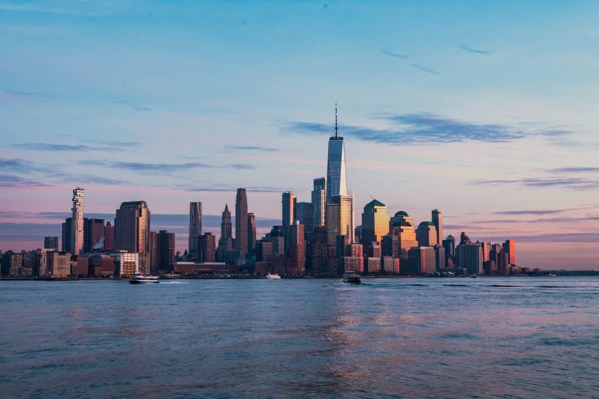 What It's Really Like Living in NYC [Expectations vs. Reality]
